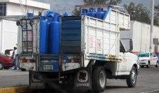 Vehículo de transporte de tanques de gas lp